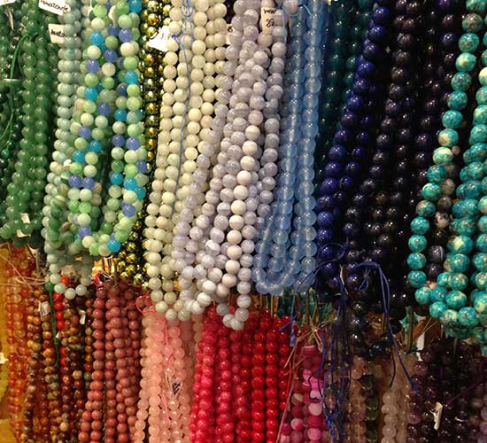 Round gemstone beads for jewelry making